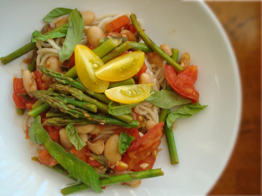 Brown Rice Pasta with Garden Veggies - Fork & Beans