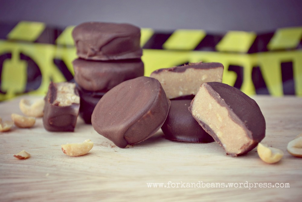 Raw Peanut Butter Cups - Fork & Beans